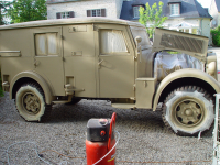 Kfz 17/1 restoration part 4: paint and finish