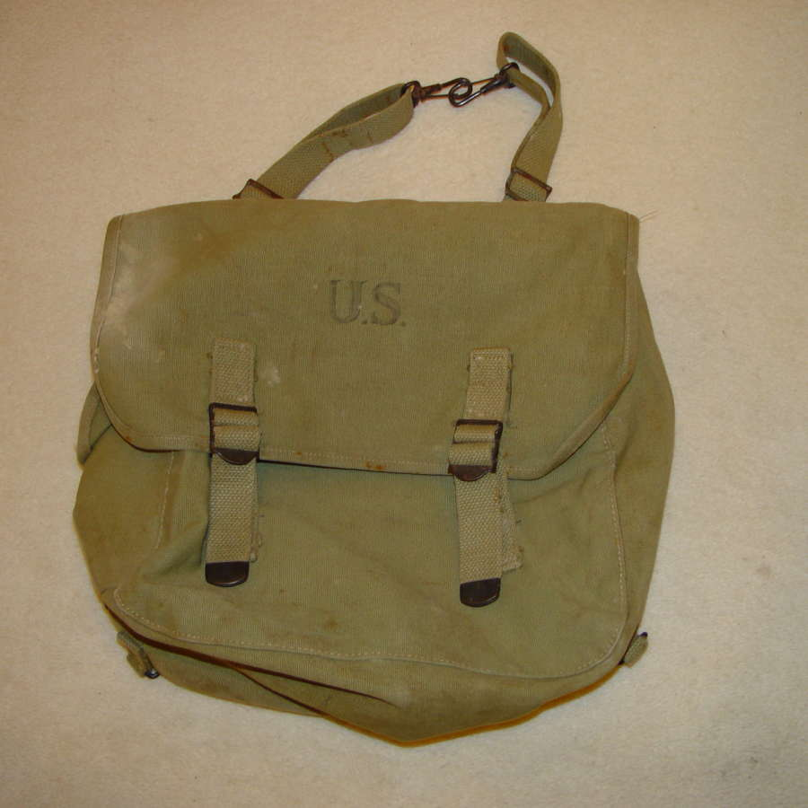 US Army musette bag