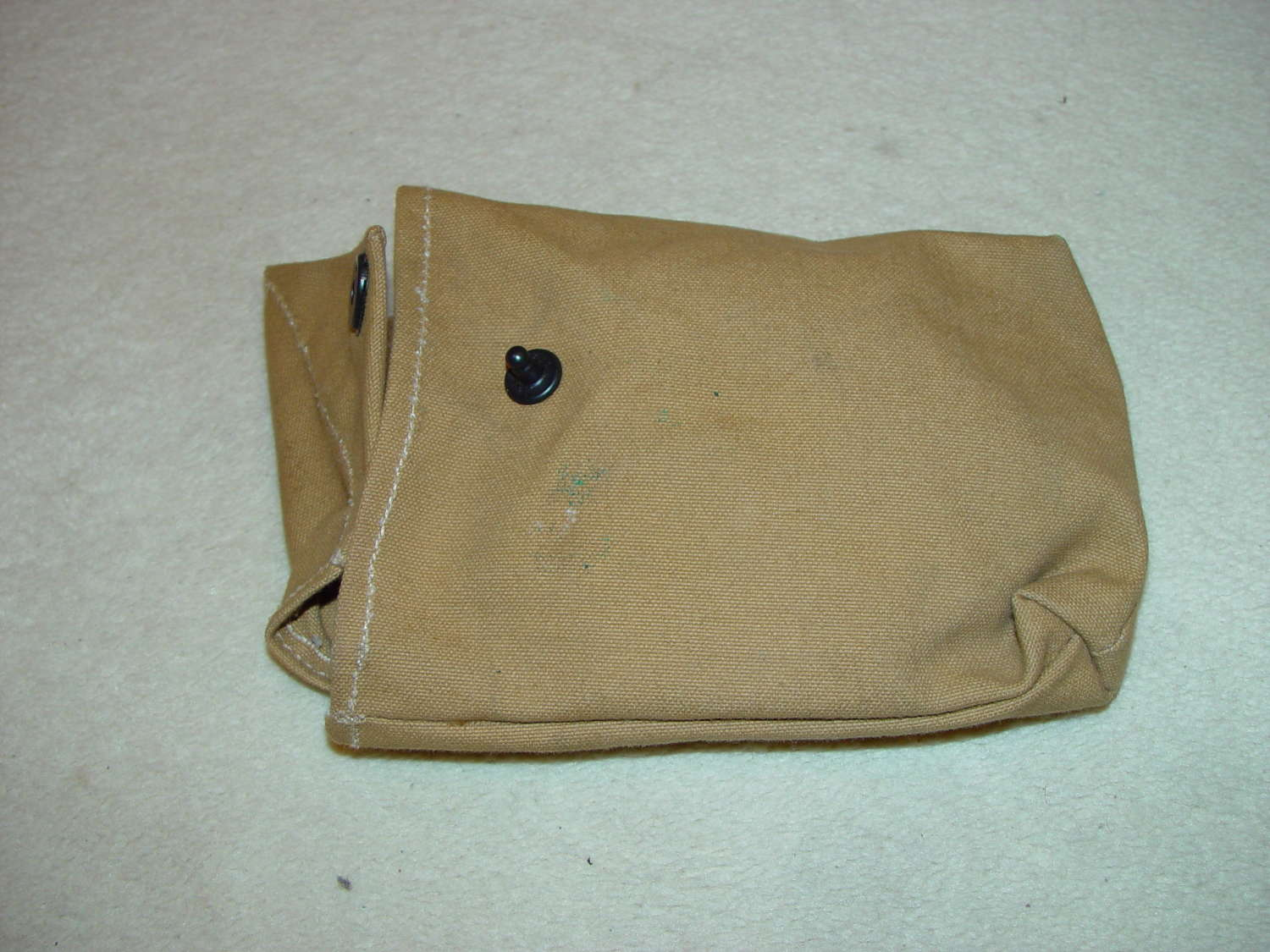 Rigger made grenade pouch for airborne troops