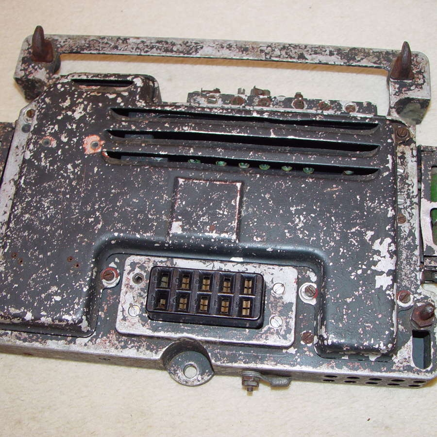 German Luftwaffe UF17 mounting plate for U17 power supply
