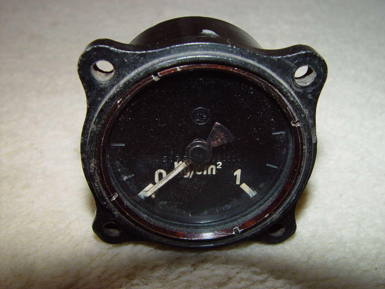 German Luftwaffe pressure instrument 0-1 bar
