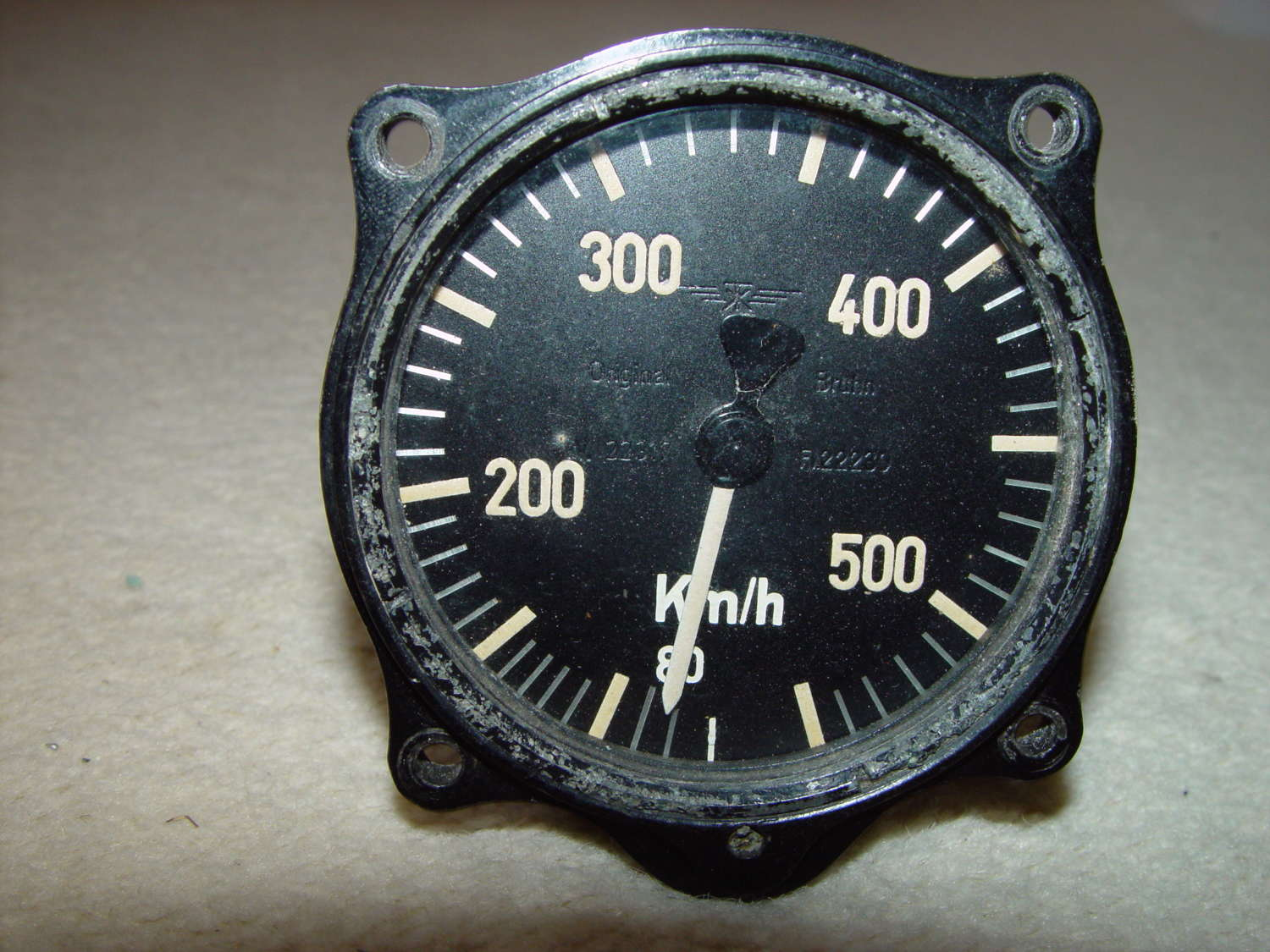 German Luftwaffe airspeed indicator 550 kph