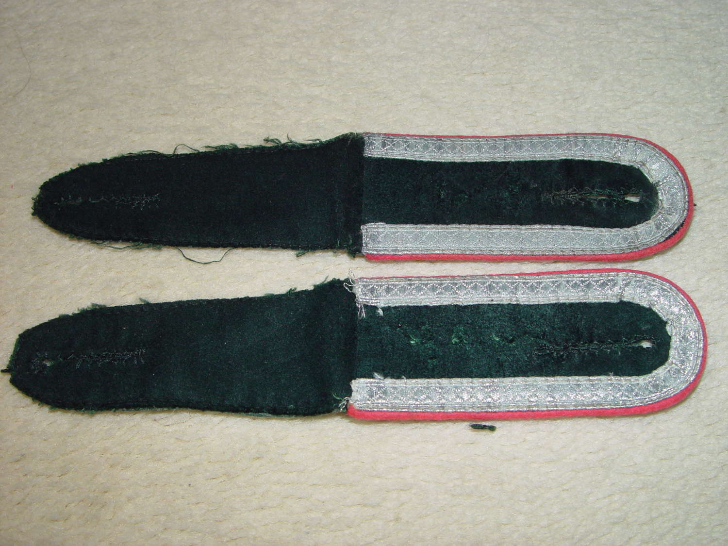 Pair of NCO Panzer pink piped shoulder straps for M36 tunic