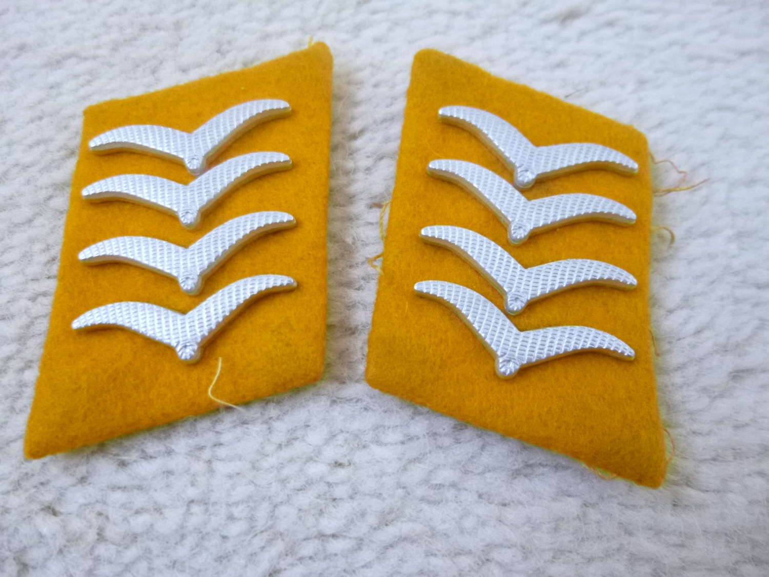 German Luftwaffe Hauptgefreiter collar patches