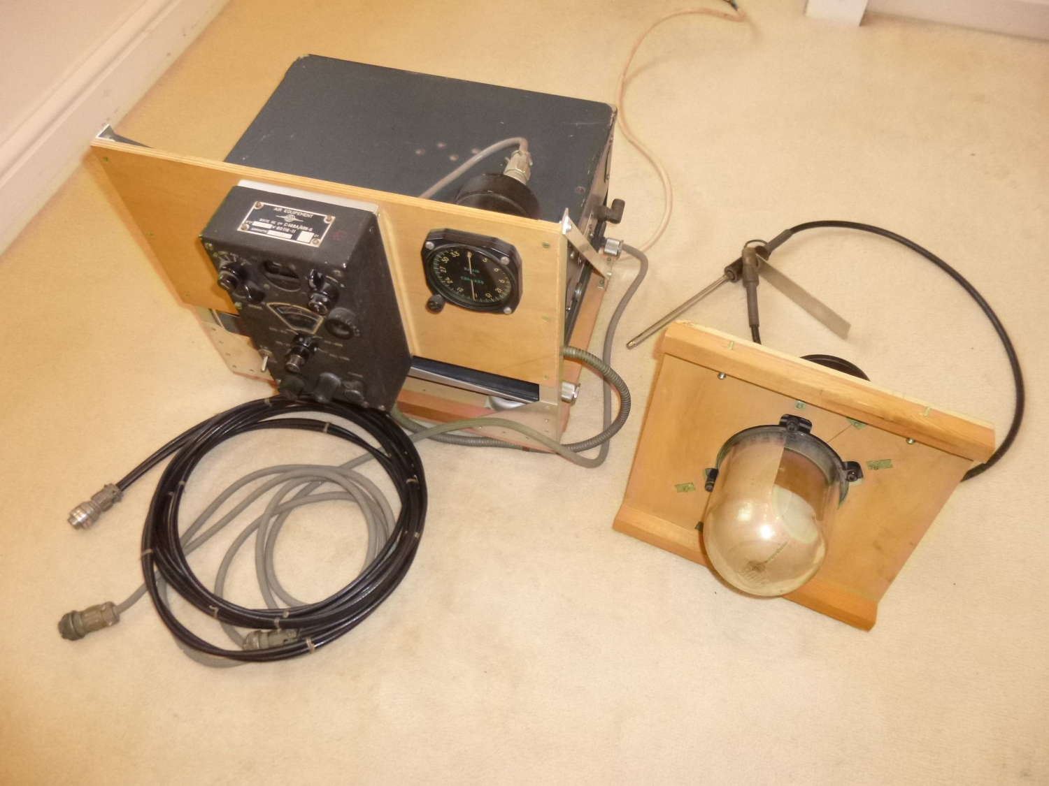 Complete US Air Force AN/ARN-6 radio compass