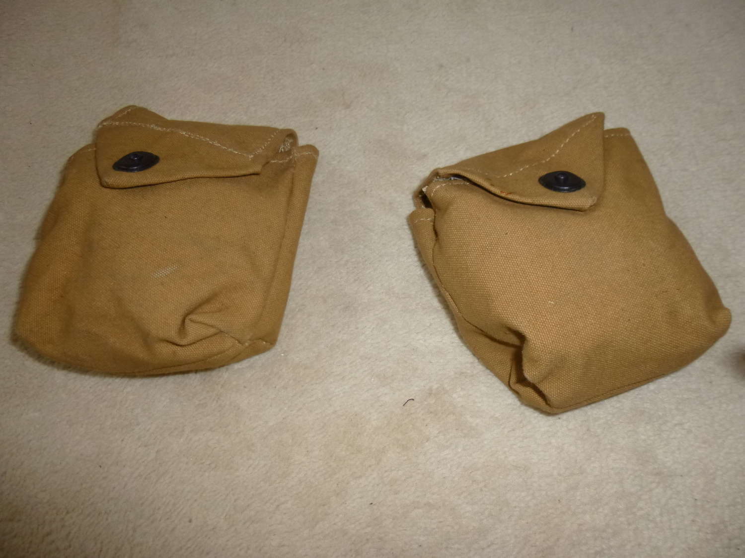 US army pair of reproduction airborne rigger pouches