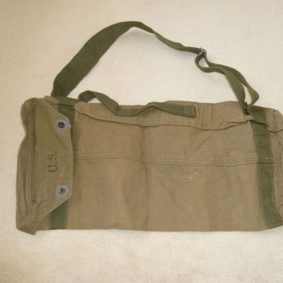 US Army bazooka round carrying bag