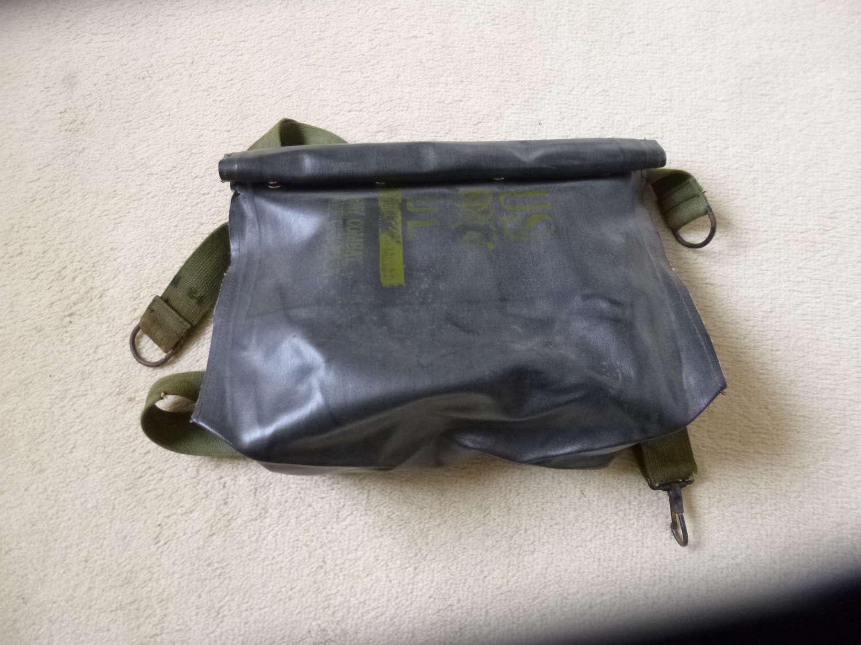 US M7 assault gas mask bag