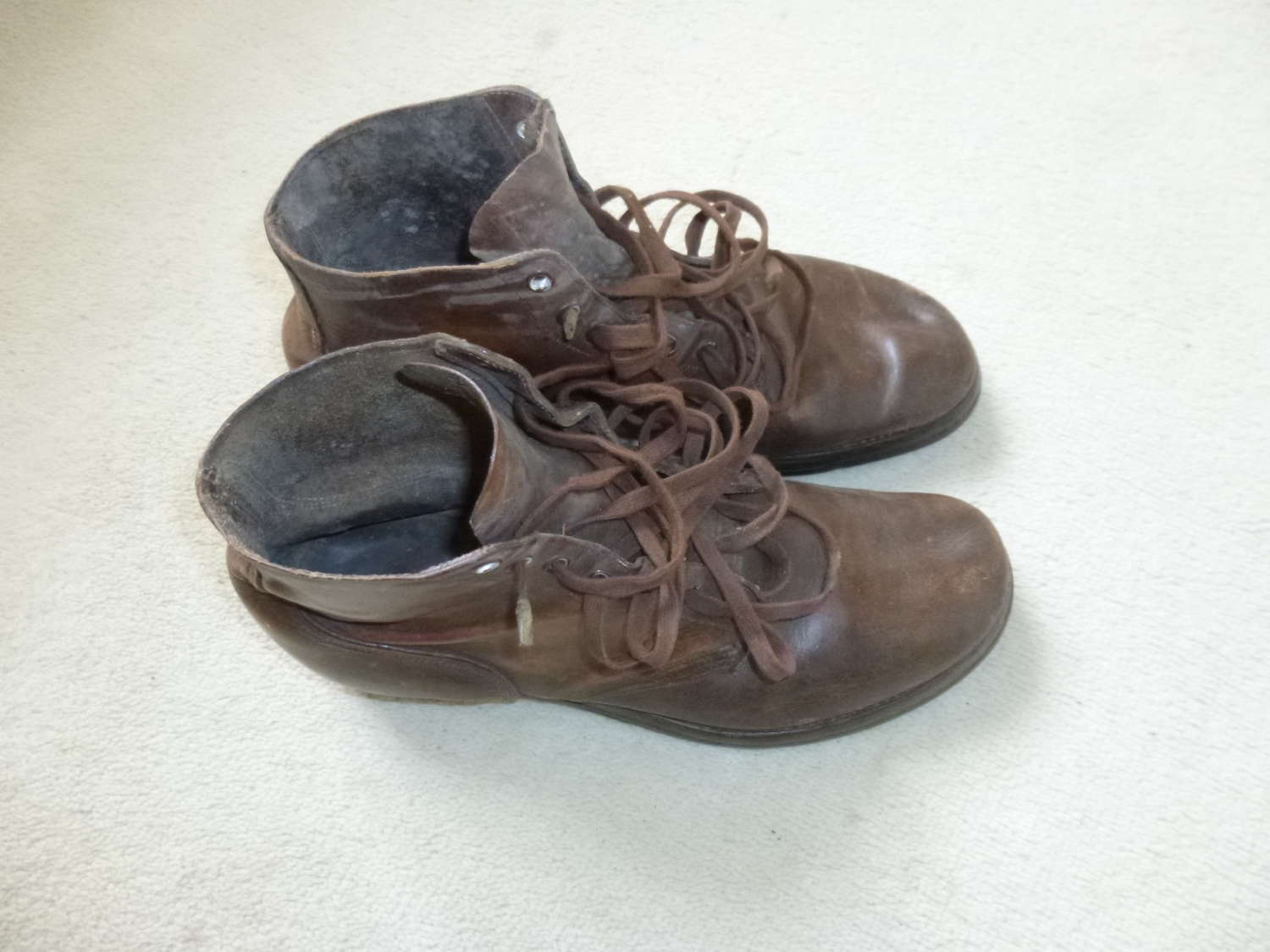 US army boots - size 10 1/2