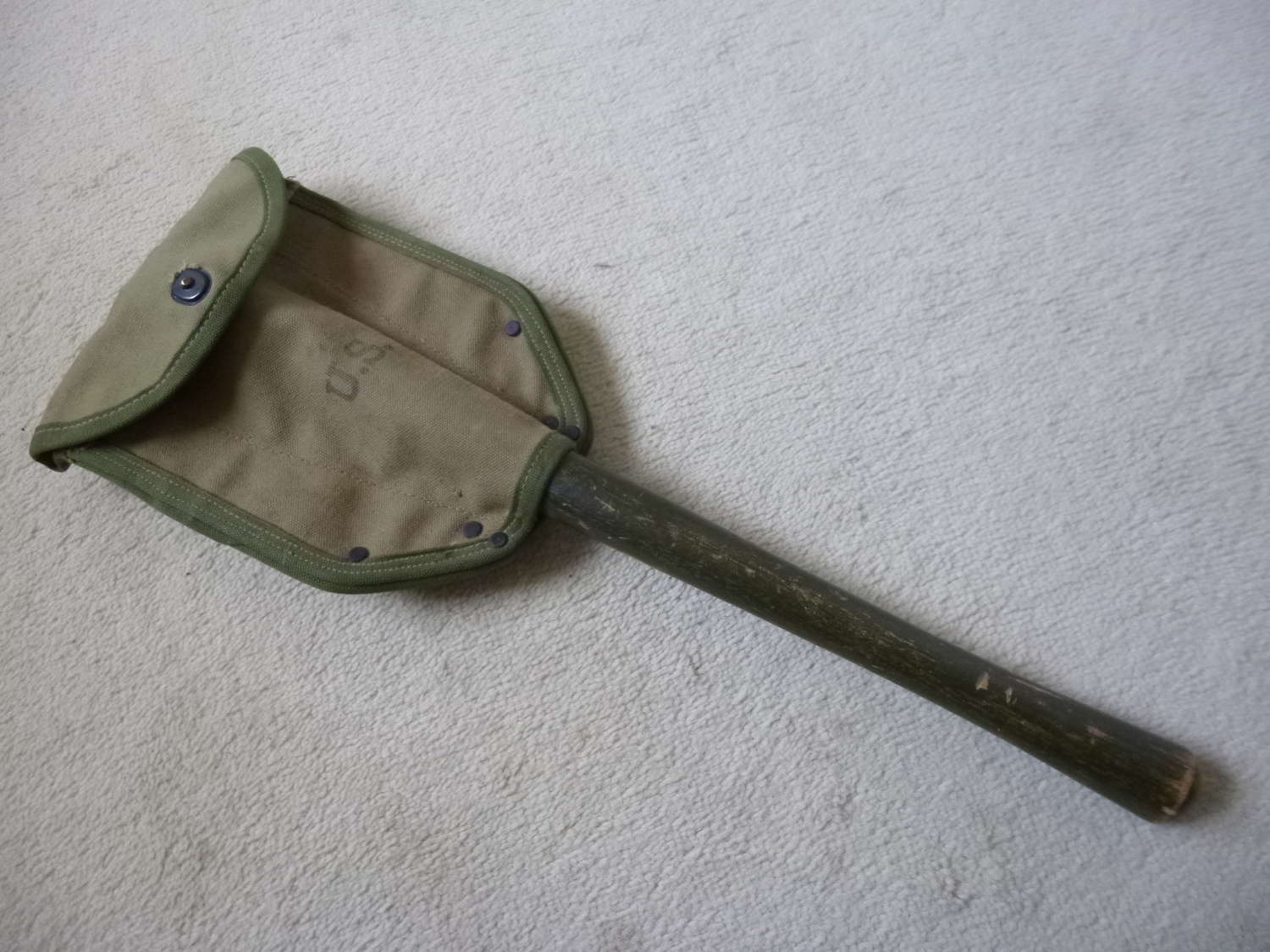 US army folding entrenching tool